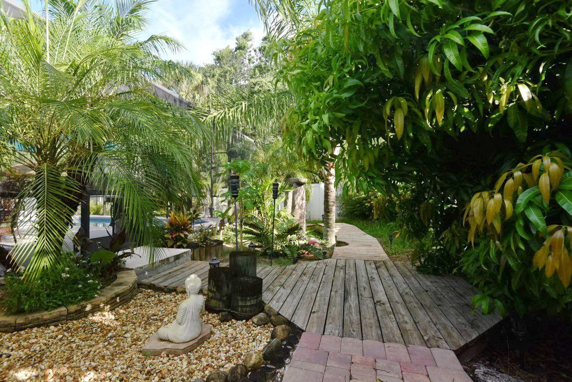 outdoor living space gitta sells